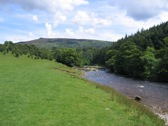 River Wharfe looking towards Howgill