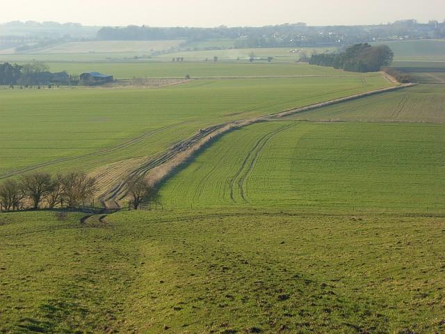 Bridleway descending from Hackpen Hill