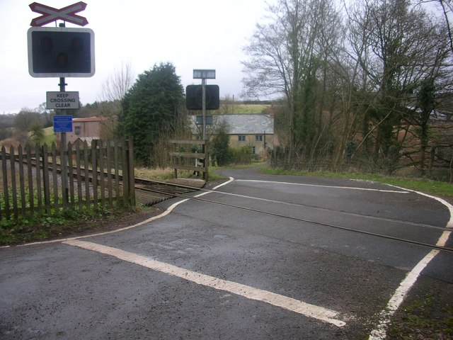 Roebuck Gate unmanned level crossing