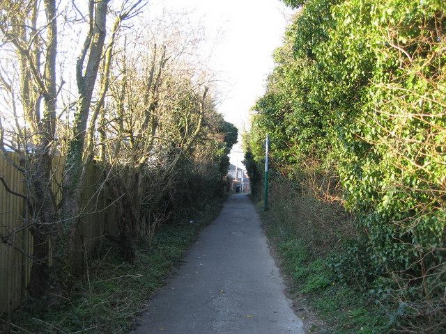 Public footpath to Blackthorn Way