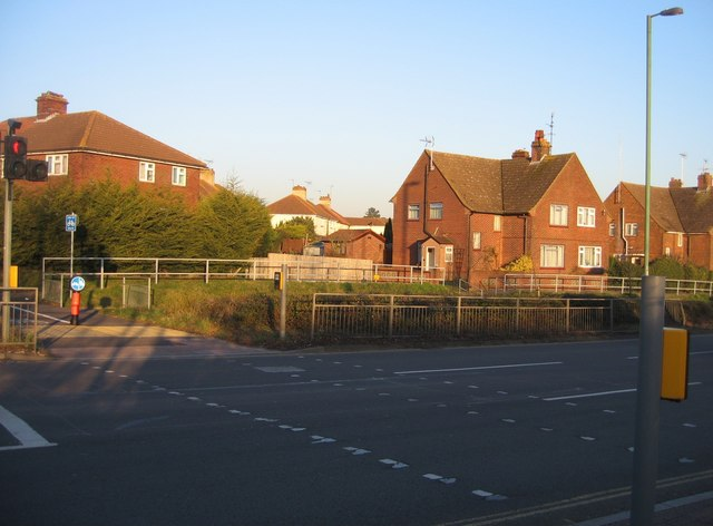 Cycle path crossing - Kingsclere Road