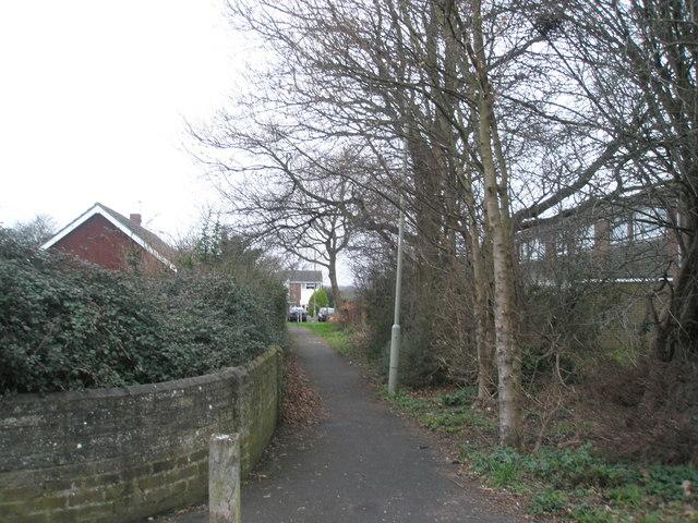 Alleyway to  Sunnyheath
