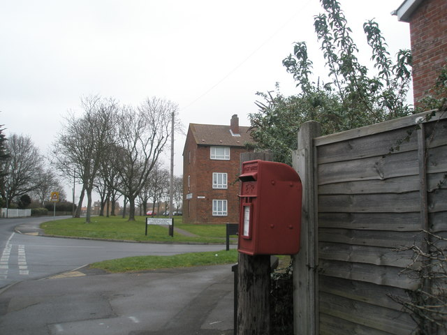 Postbox by Blendworth Crescent