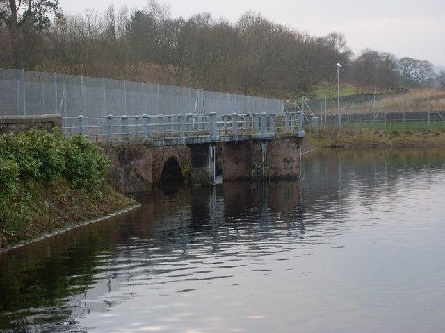 Closer view of bridge over Mugdock Reservoir
