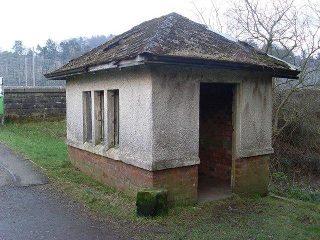 Small hut by Mugdock Reservoir