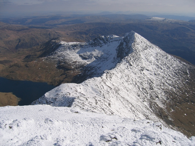 View towards Y Lliwedd from the summit of Yr Wyddfa/Snowdon