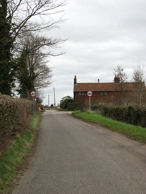 View east along Vicarage Road