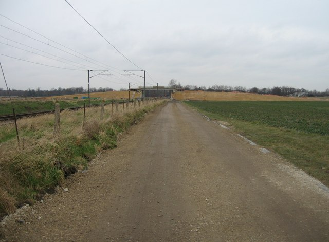 Farm track heading towards Cambridge