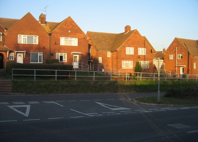 Kingsclere Road - old & new