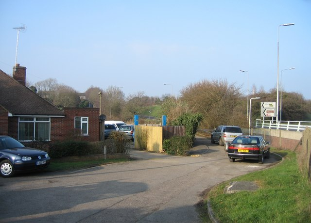 Access lane by the Winchester Road roundabout