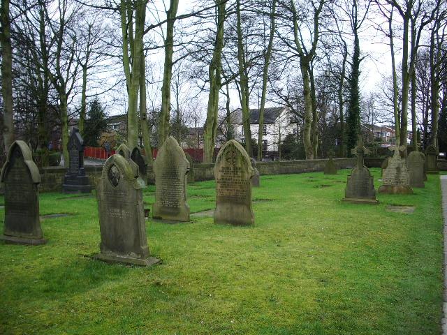 Christ Church, Newburgh, Graveyard