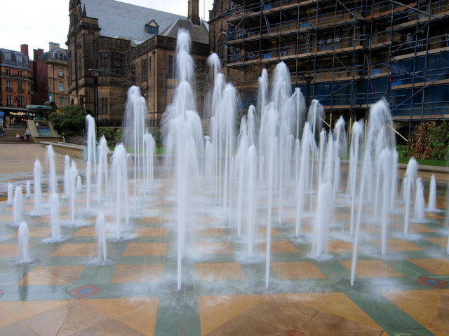 Moving fountains in the former Peace Gardens