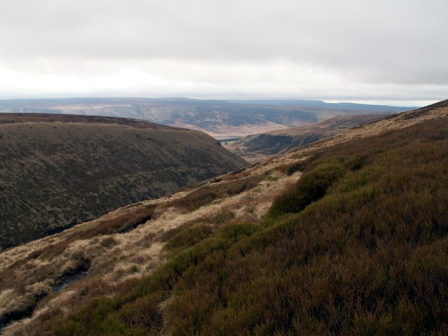 Above the Pennine Way looking to Kinder Scout