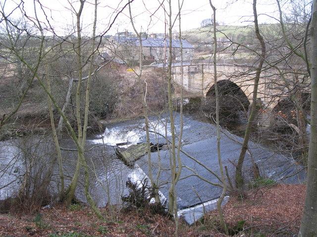The weir below Allenmills Bridge (3)