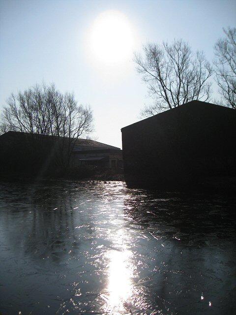 Lancaster Canal - frozen!