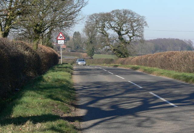 Shilton Road towards Kirkby Mallory
