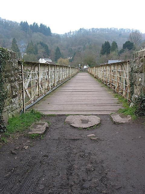 Approaching Tintern via the old railway bridge