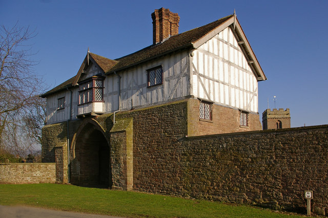 Priory Gatehouse, Bromfield