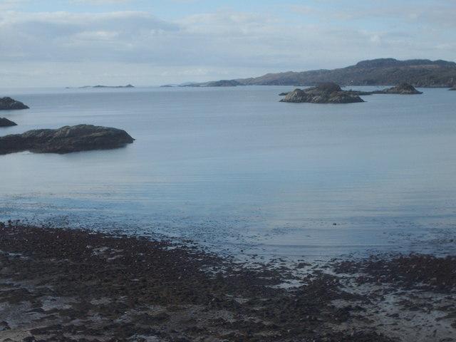 Islands on Loch Nan Uamh