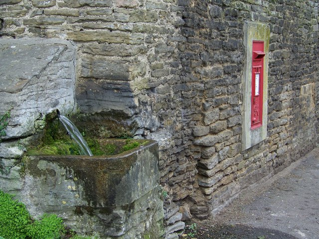 Postbox and trough, Stalbridge