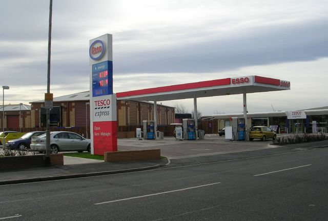 Esso Filling Station - Roundhay Road