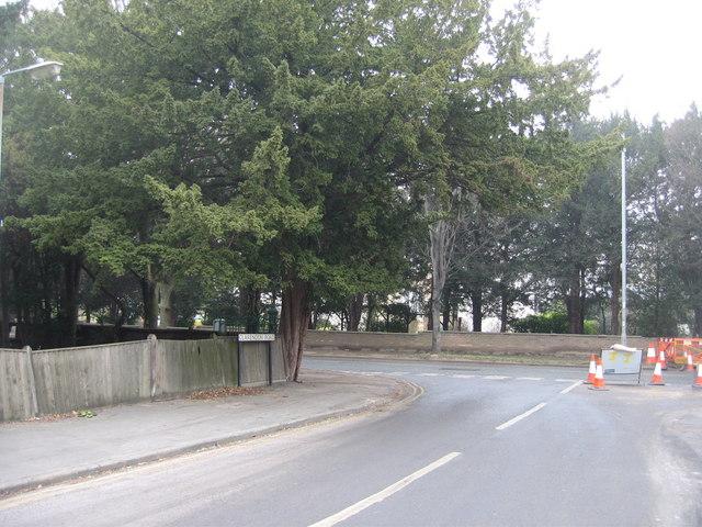 Clarendon Road meets Brooklands Avenue