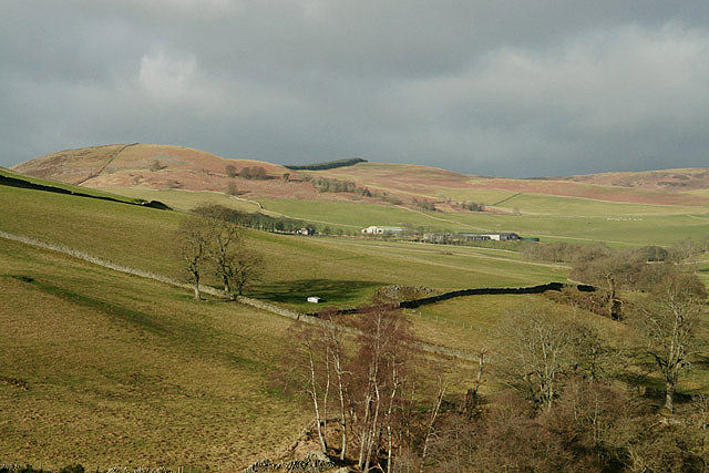 Farmland to the northeast of Laidlawstiel Hill