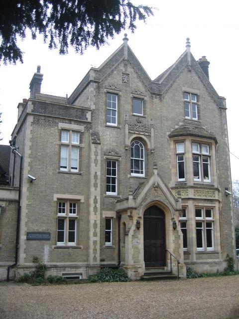 Wymondham House - 18 Brooklands Avenue