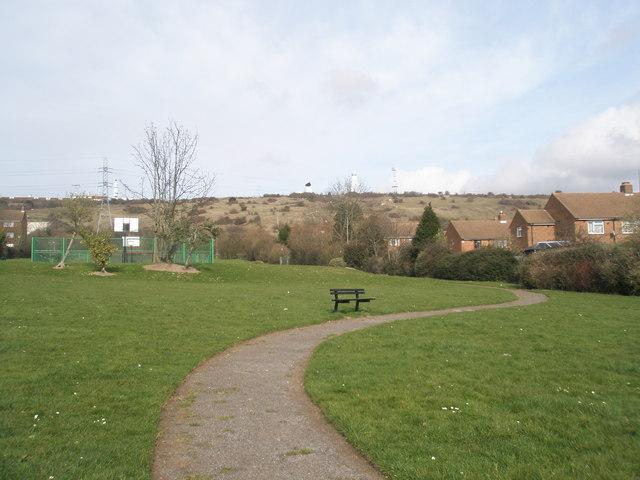 Footpath through St Michael's Rec