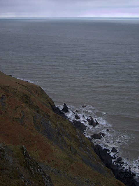 Cliff face north of Carreg Ti-Pw