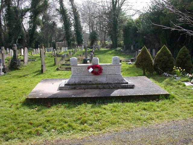Coton War Memorial and Graveyard