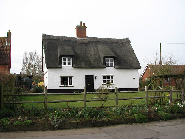 Attractive thatched cottage