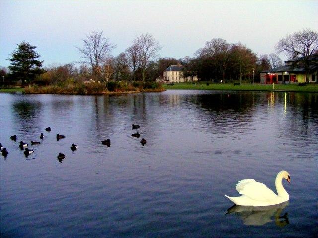 Cooper Park , Elgin
