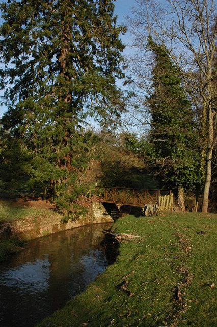 Footbridge over Sapey Brook