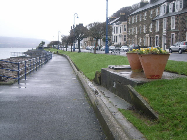 Looking along the A844 at Rothesay
