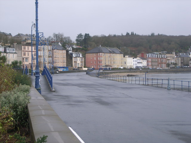 Looking along the promenade at Rothesay