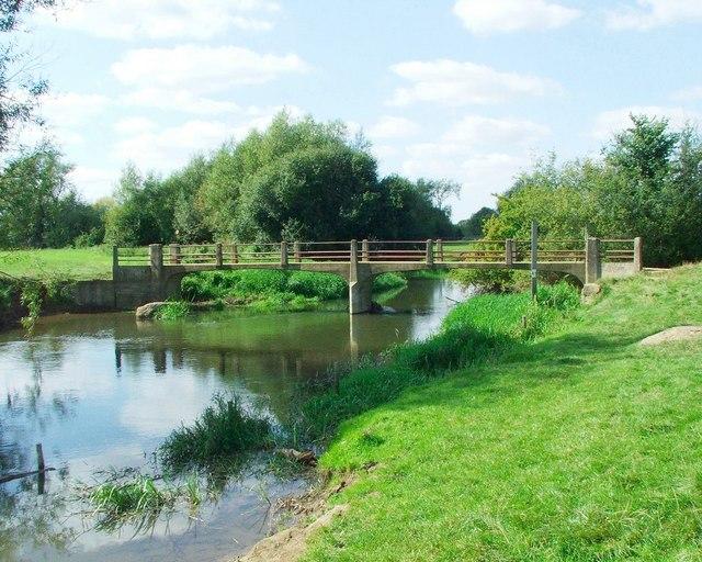 Footbridge over the river Cherwell near Hampton Poyle
