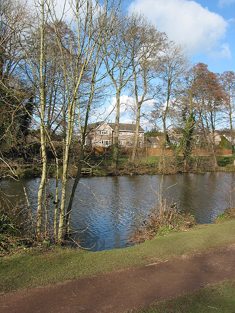 Houses with view of Newent Lake