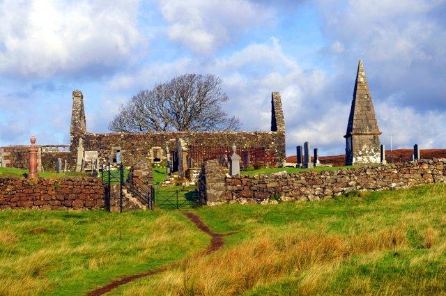 Kilmuir churchyard / Cladh Chille Mhoire