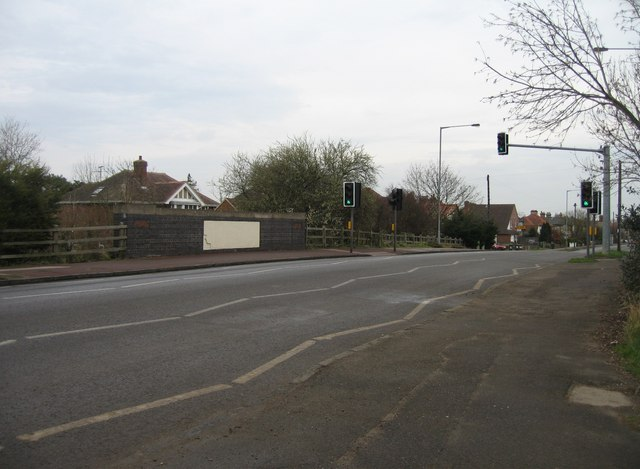 Shelford Road crosses the old Varsity Line
