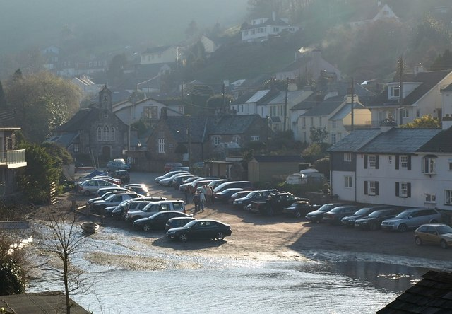 Cars parked at the head of Noss Creek