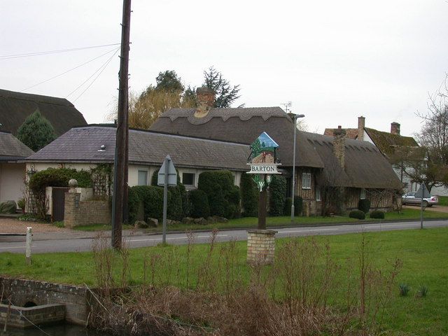 Dales Barn and the Village Sign