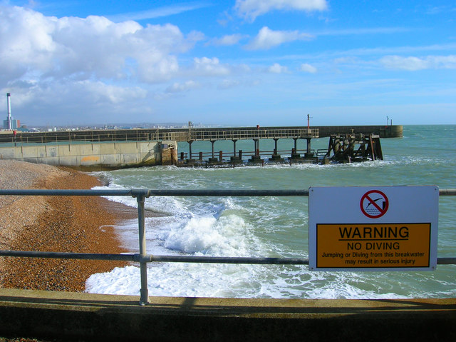 Shoreham Harbour Entrance