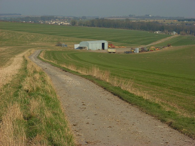 Farm road above Shrewton