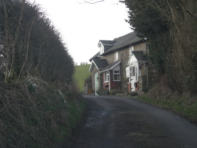 Cottages known as Tindings