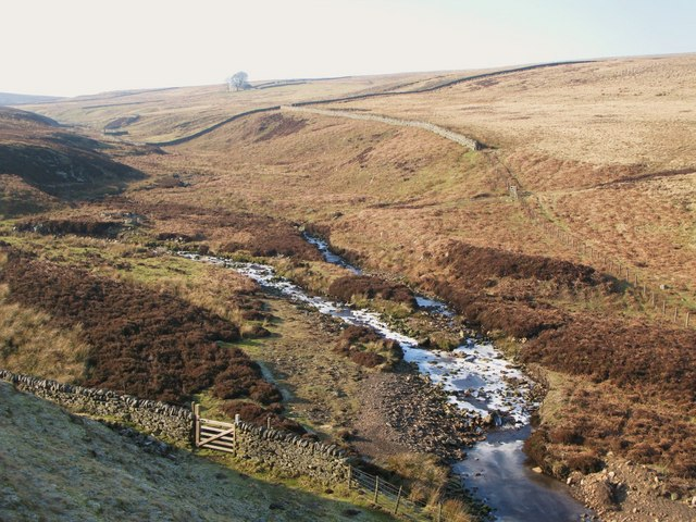 The frozen-over confluence of Henshaw and Quickcleugh Burns