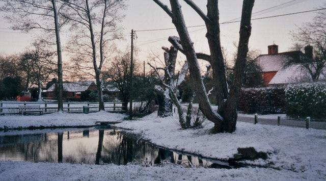Mapledurwell pond in Winter