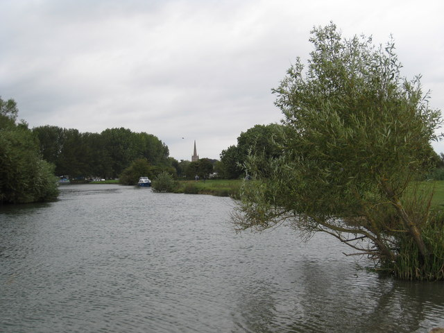 The River Thames upstream of Lechlade