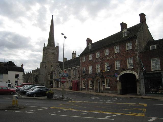 New Inn Hotel & Church Lechlade