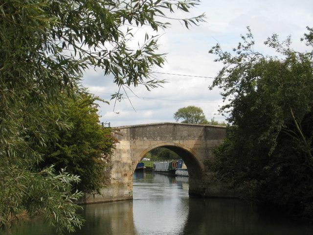 Radcot 'new' bridge over Thames
